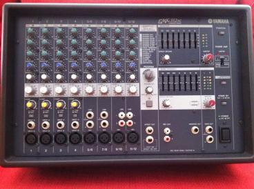 Yamaha EMX312SC Mixer